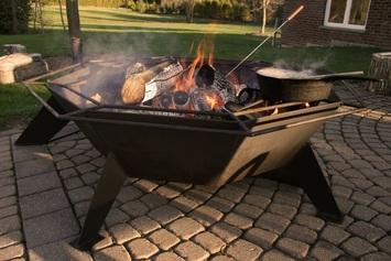 4' Octagonal Cottager Black Backyard Fire Pit