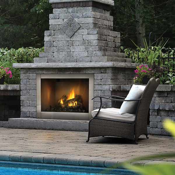 Napoleon outdoor hearth manor fireplaces gta - Foyer de jardin exterieur ...